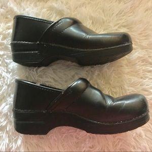 Dansko Black Clog's Mules Size 40 🔥🔥